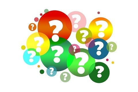 Question marks depicting confusion over Medicare PPO and Medicare Supplement Insurance
